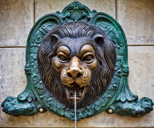 lion wall decorative fountain